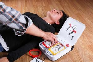 Defibrylator AED cena. Czy tylko cena liczy się przy wyborze AED?