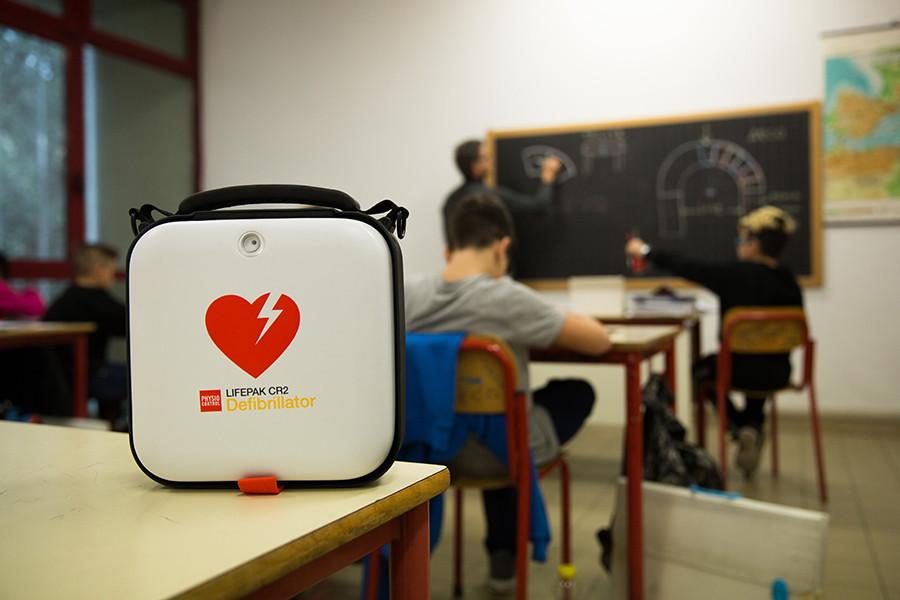 Defibrylator AED w szkole i przedszkolu